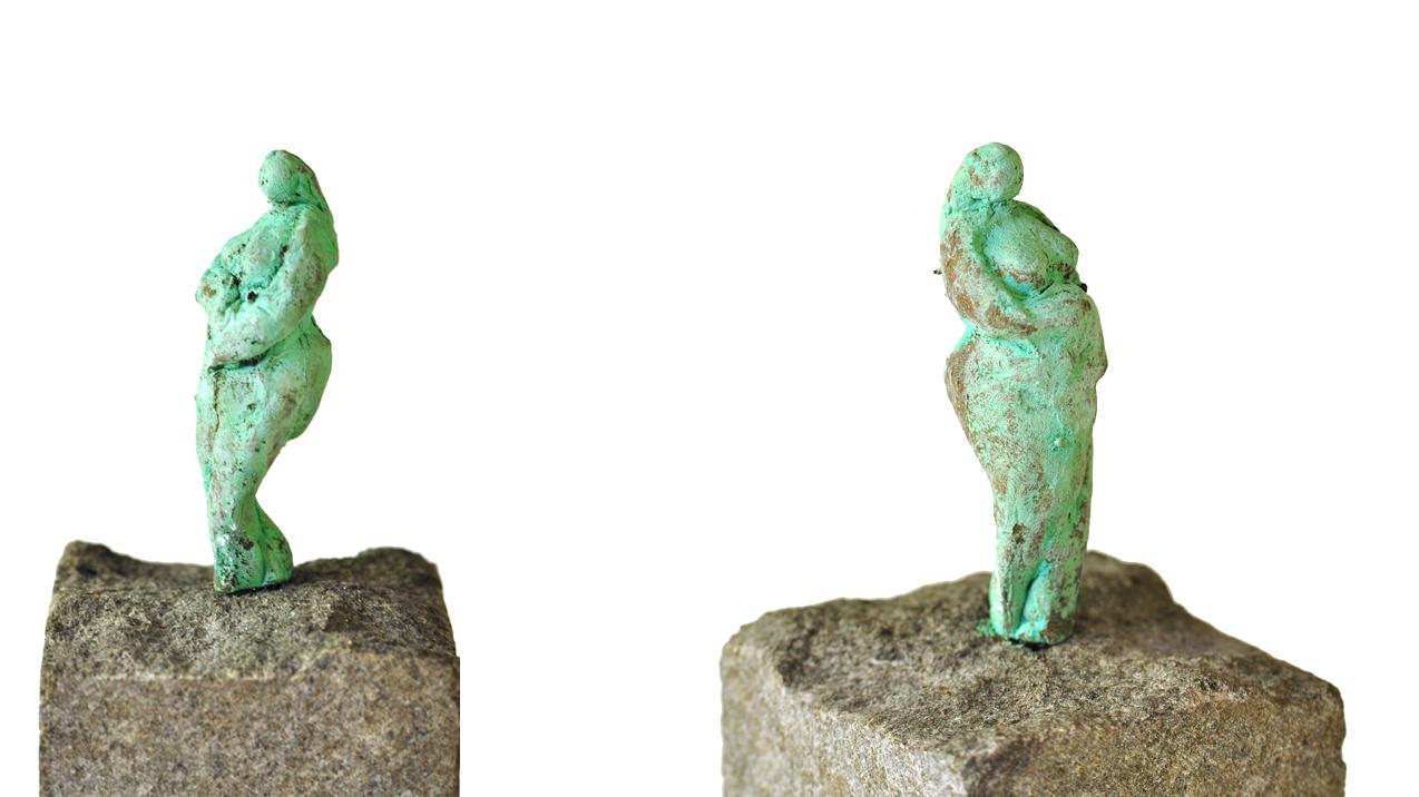 Kvindefigur i bronze