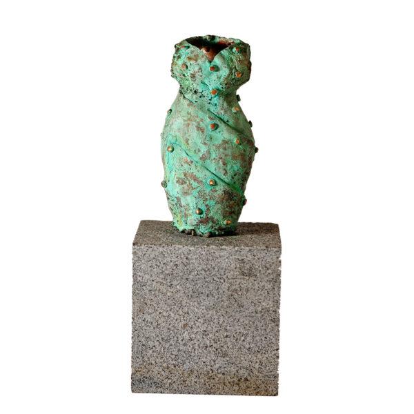 Bronzeskulptur. Vase 01.