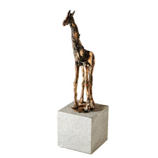 Bronzeskulptur. Giraf i bronze på granitsokkel.