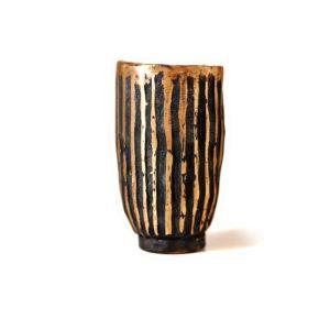 Bronzeskulptur. Vase01.