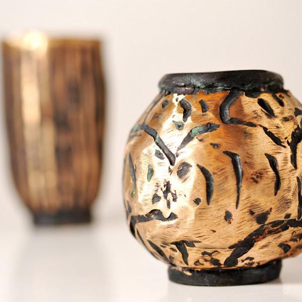Bronzeskulptur. Vase02.