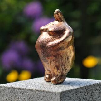 Bronzeskulptur af kvinde