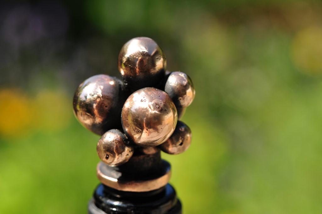 Vinprop i bronze - Druer