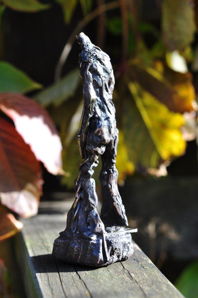 Mandsfigur i bronze