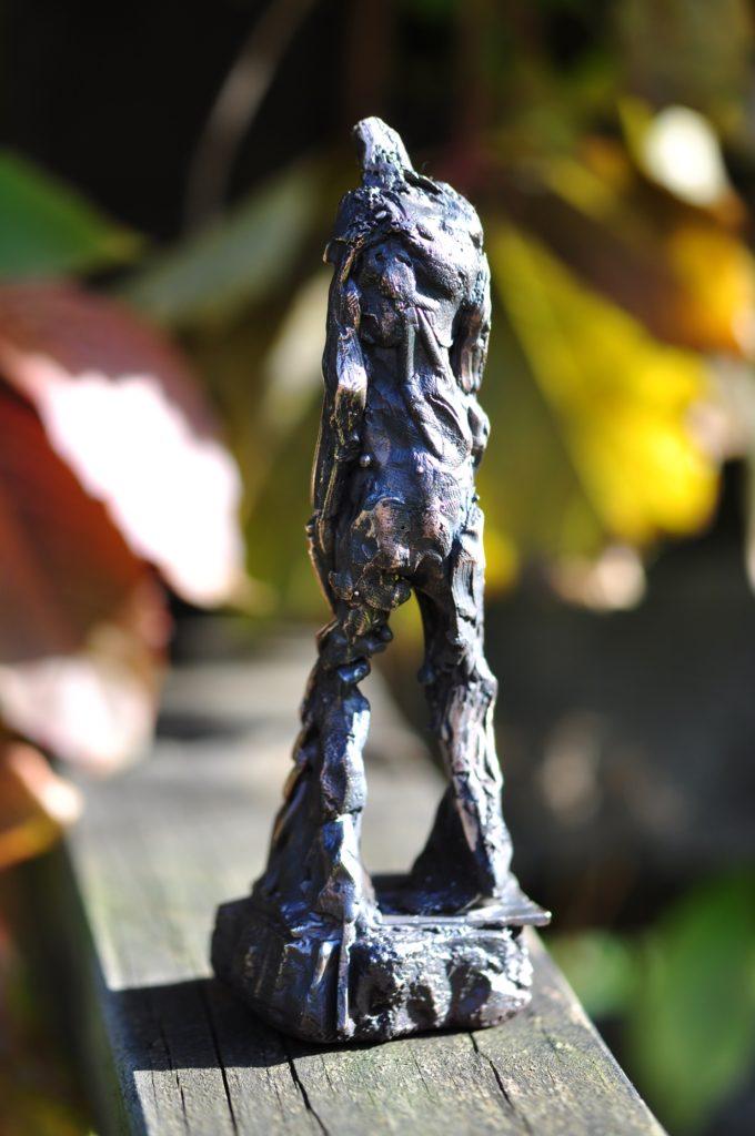 Bronzefigur med tyngde