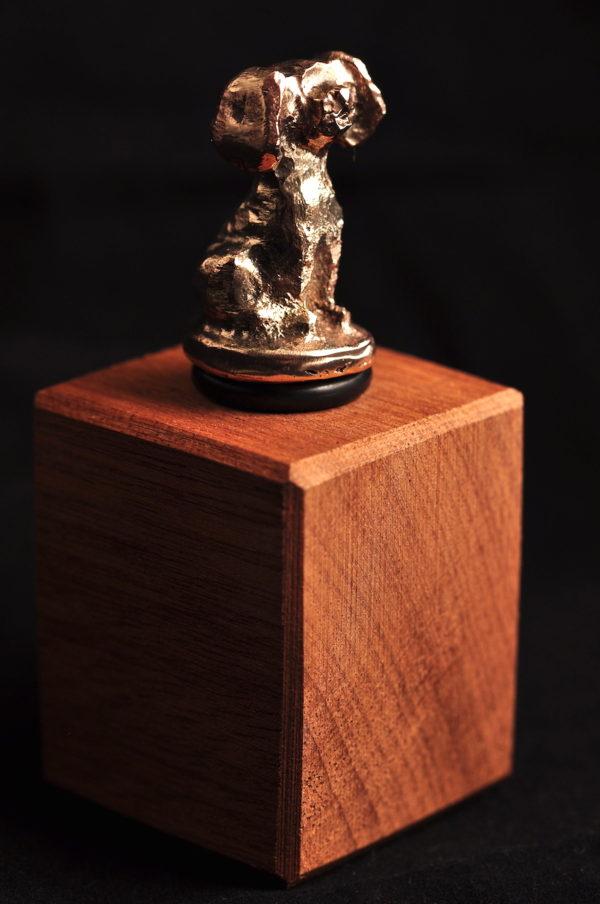 Hund - Vinprop i bronze