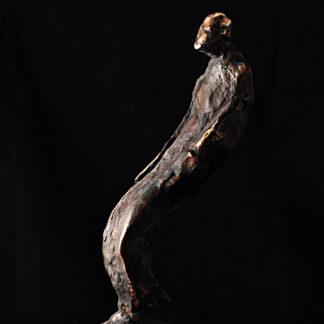 Bronzeskulptur-mand i bevægelse