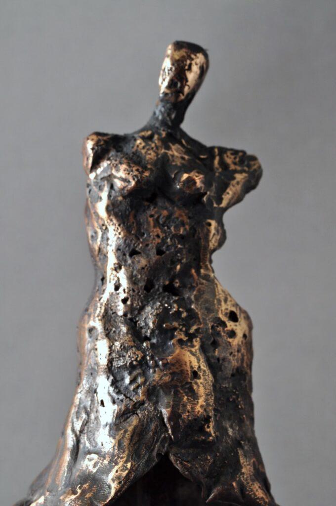 Bronzeskulptur - Huldre Kvinde