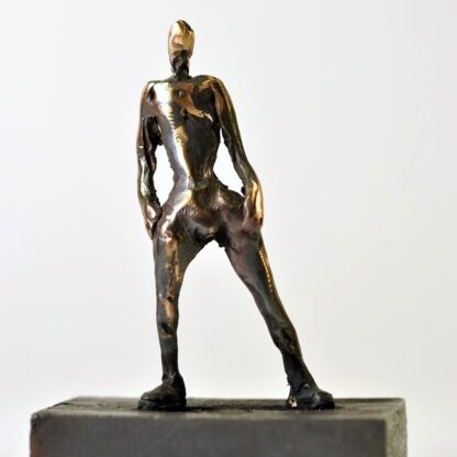 Mandefigur der poserer - skulptur i bronze.