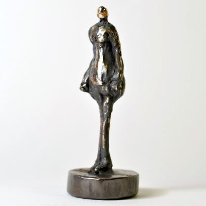 Kvindefigur i massiv bronze