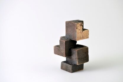 Kuber i komposition - bronzeskulptur.