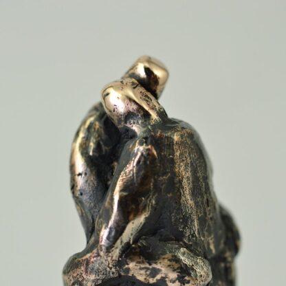 Corona knus - Bronzeskulptur